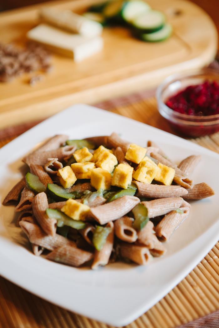 cukkinis tészta tofuval