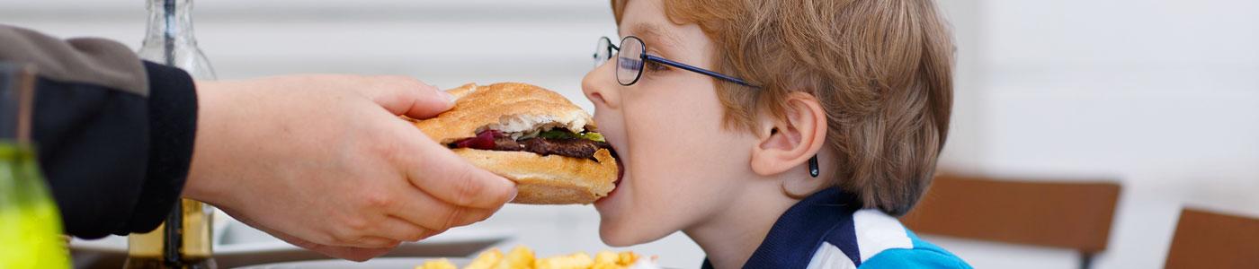 A te gyermeked is szemetet eszik?
