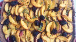 Őszibarackos pite citromízű kakukkfűvel
